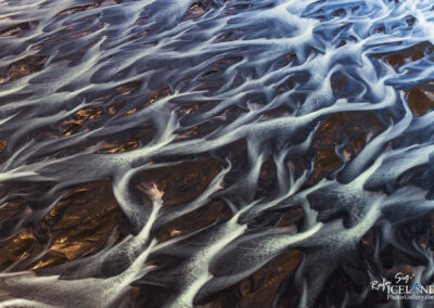 Núpsvötn river Patterns in black sand │ Iceland Landscape fr