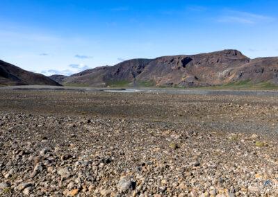 Nýjifoss or Leynifoss and the river Farið in the Highlands │