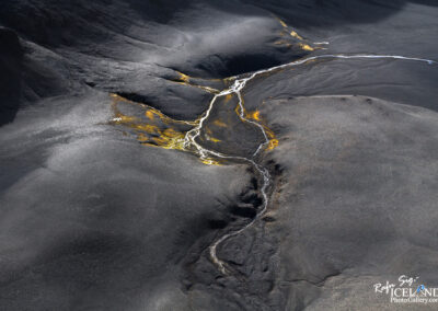 Riverbed in the highlands of Vatnajökull Glacier │ Iceland La