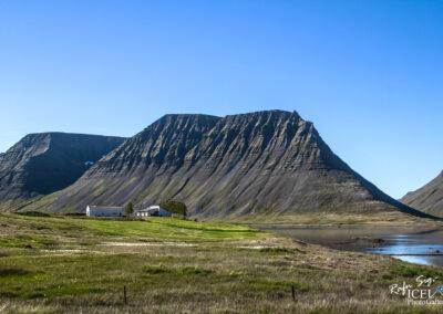 Veðrará ytri with the mountain Mosvallahorn │ Iceland Landsc