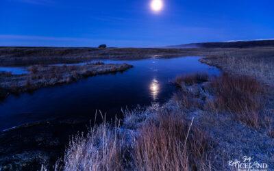 Hlíðarvatn at Selvogur by night – South West │ Iceland