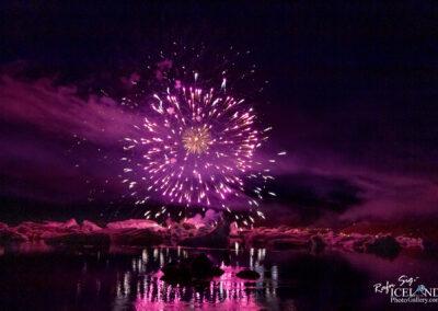 Firework at Jökulsárlón - South │ Iceland Landscape Photogr