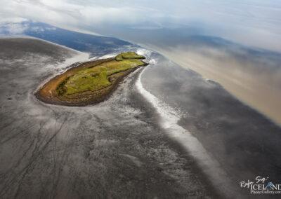 Island in Hornafjarðarfljót - South East of Iceland