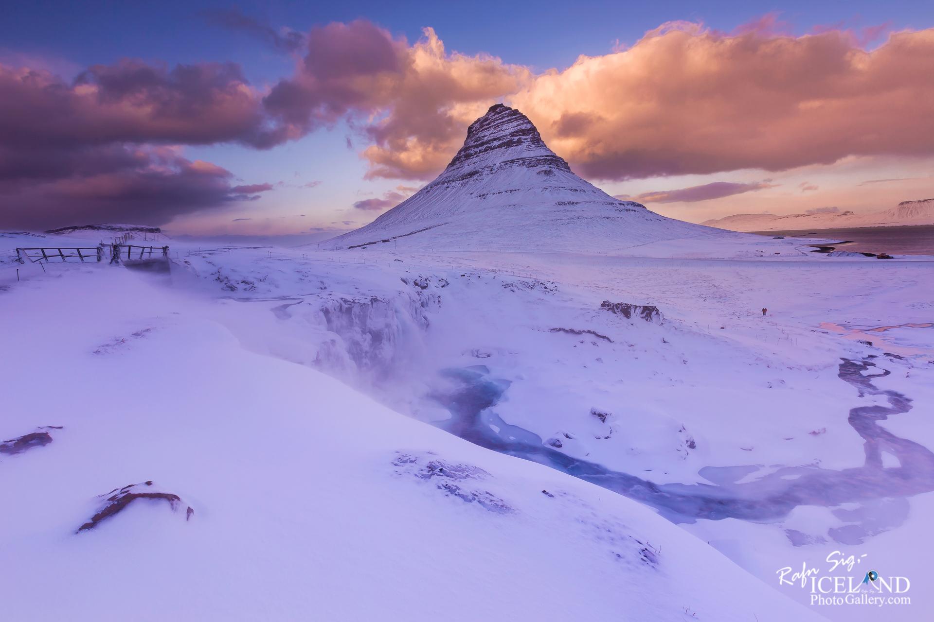 Kirkjufell and Kirkjufellsfoss - West │ Iceland Landscape Phot
