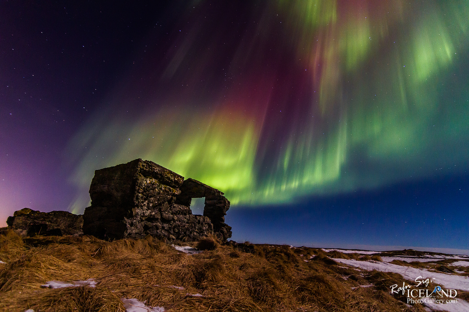 Northern lights at Vatnsleysuströnd │ Iceland
