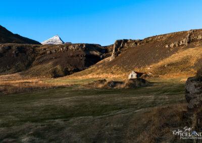 Strýta Farmhouse│ Iceland Landscape Photography