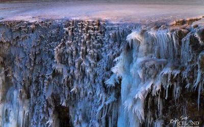 Frozen Waterfall at Fimmvörðuháls │ Iceland Landscape Photography