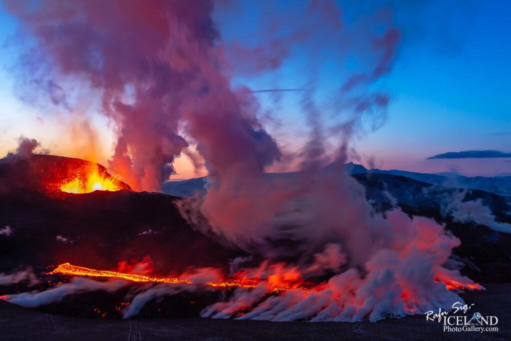 Fimmvörðuháls Volcanic Eruptions │ Iceland Landscape Photog