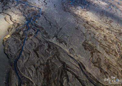 Kaldakvísl River bed at Hágöngur geothermal area │ Iceland