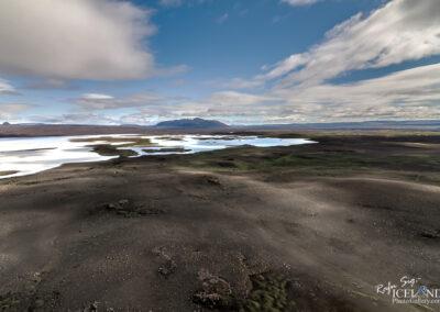 Sandvatn Lake in the Highlands│ Iceland Landscape Photography