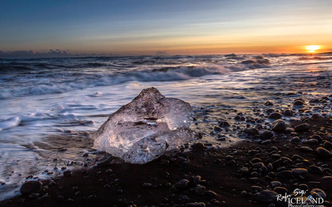 Jökulsárlón beach – Iceland Photo Gallery
